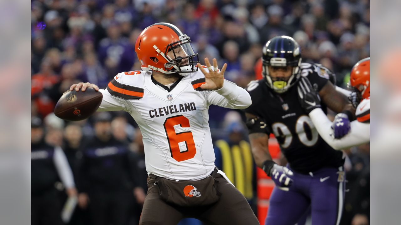 Cleveland Browns quarterback Baker Mayfield throws a pass in the first half of an NFL football game against the Baltimore Ravens, Sunday, Dec. 30, 2018, in Baltimore. (AP Photo/Carolyn Kaster)