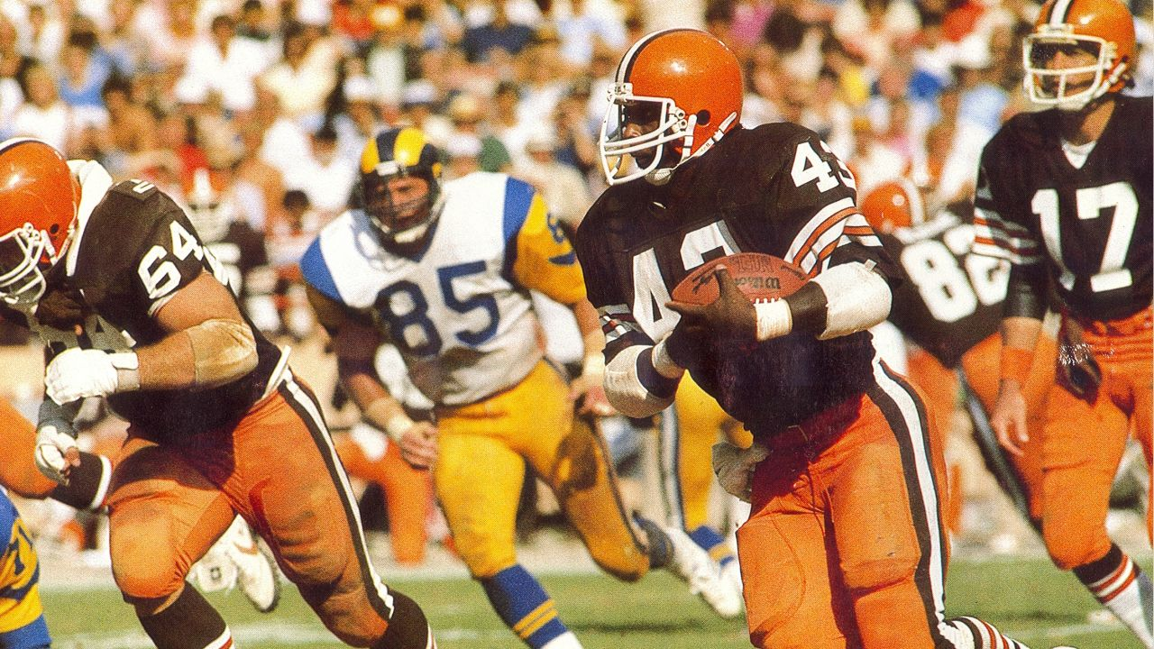 Mike Pruitt (43) runs with the ball during a game against the Los Angeles Rams.