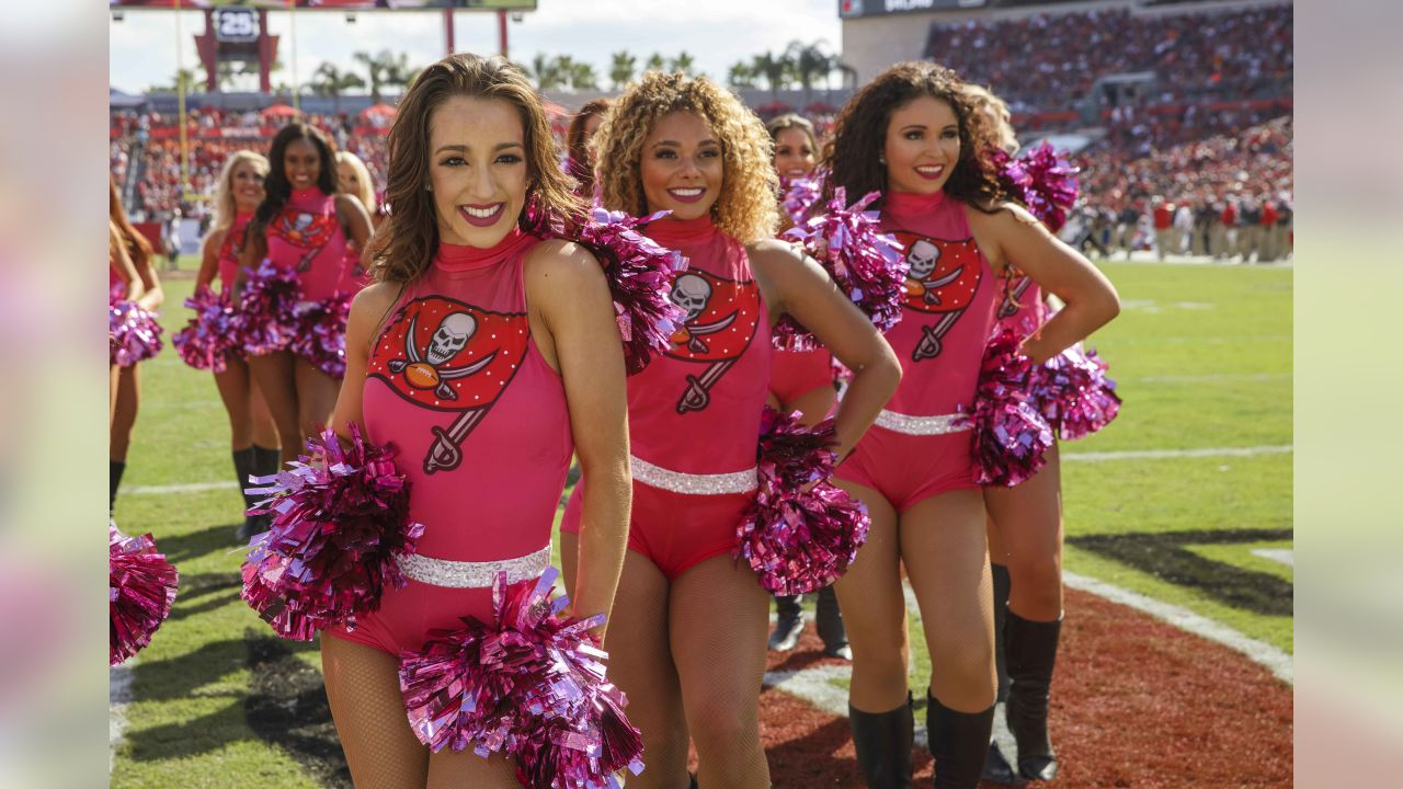 TAMPA, FL - OCTOBER 21, 2018 - Tampa Bay Buccaneers Cheerleaders during the game between the Tampa Bay Buccaneers and Cleveland Browns at Raymond James Stadium in Tampa, FL. The Buccaneers won 26-23. Photo By Kyle Zedaker/Tampa Bay Buccaneers