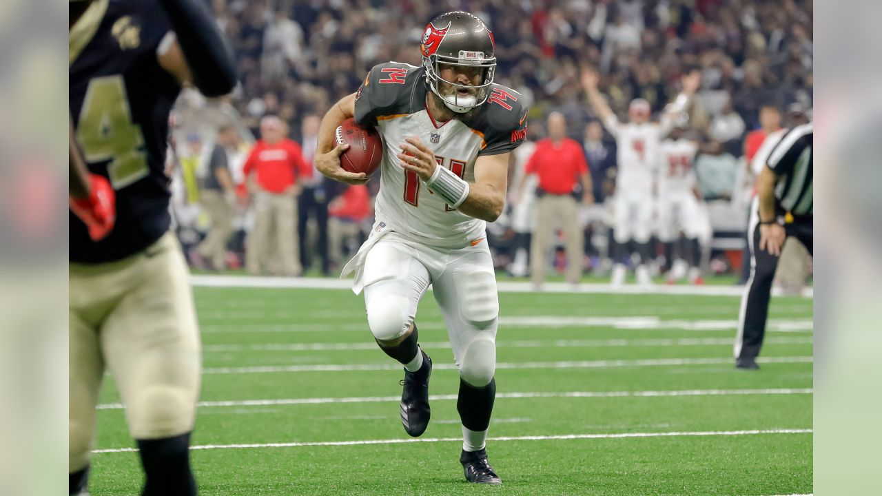 NEW ORLEANS, LA - SEPTEMBER 09, 2018 - Quarterback Ryan Fitzpatrick #14 during the game between the Tampa Bay Buccaneers and New Orleans Saints at Mercedes-Benz Superdome in New Orleans, LA. The Buccaneers won 48-40. Photo By Mike Carlson/Tampa Bay Buccaneers