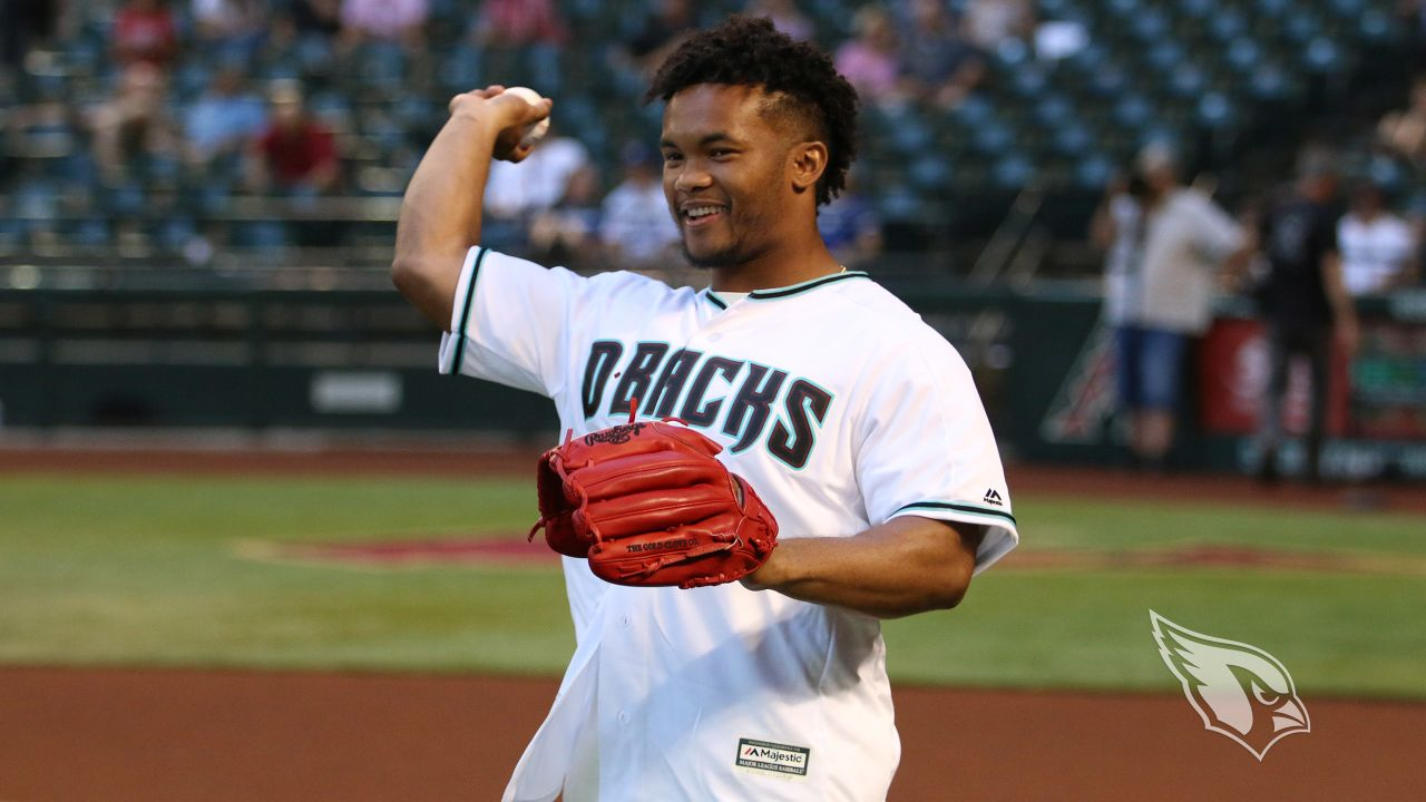 Kyler Murray warms up before the game.
