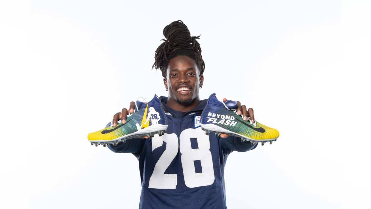 Melvin Gordon supporting the Beyond the Flash Foundation, which provides economically challenged students with the resources to succeed.