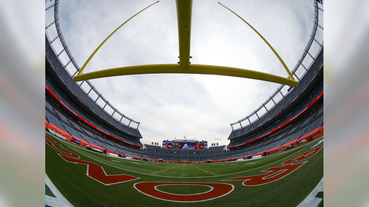 Chiefs vs Broncos at Broncos Stadium at Mile High on October 1, 2018