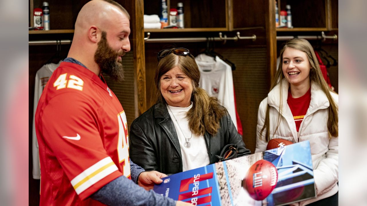 The Kansas City Chiefs are proud to host Gold Star mother Joyce Turner and her family for a surprise and delight VIP Tour of Arrowhead Stadium. While visiting Arrowhead, Anthony Sherman surprised Joyce and her family with 2 Super Bowl Tickets.
