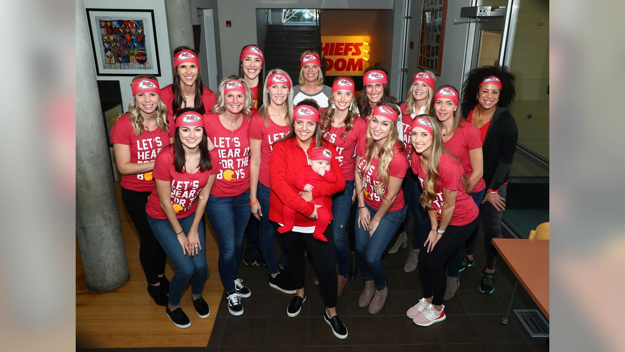 The Chiefs Women's Organization (CWO) visited the Ronald McDonald House Charities of Kansas City to serve lunch and participate in crafts with families.