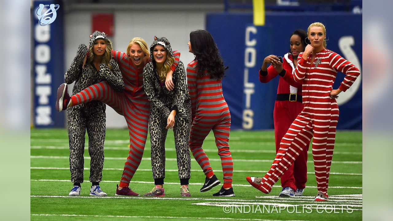 A fun look back at the 2015 Colts Cheerleaders during their themed onesie practice!