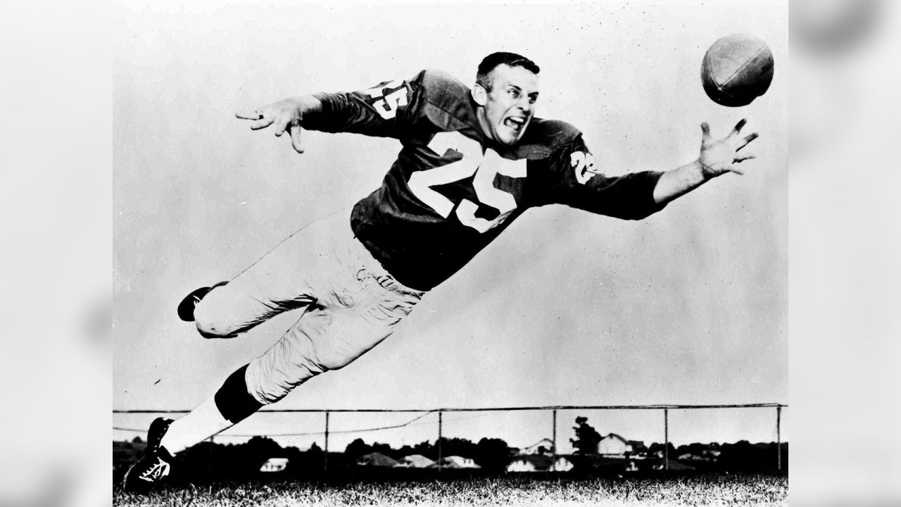 Wide receiver Tommy McDonald was picked by the Eagles in the third round of the 1957 draft