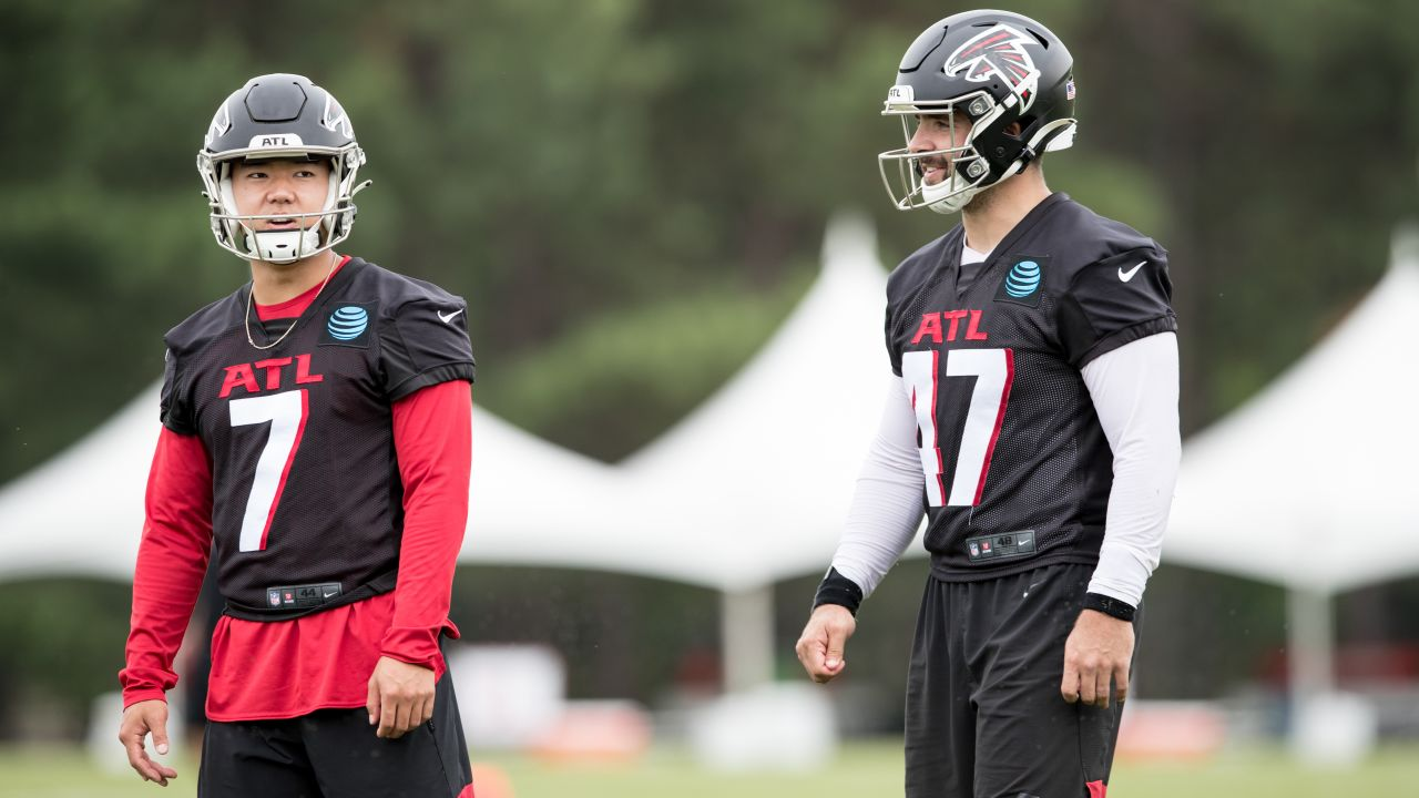 New Helmets Practice Uniforms Debut Best Images From Day 8