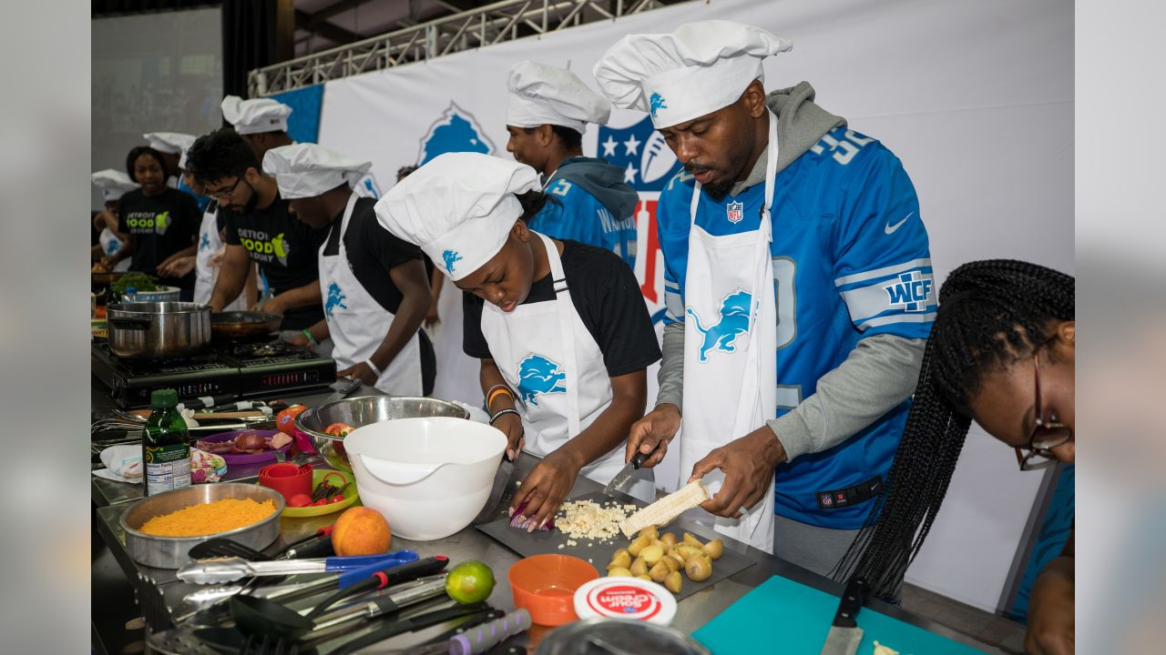 Detroit Lions cooking competition at Eastern Market on Tuesday, Sept. 25, 2018 in Detroit. (Detroit Lions via AP).