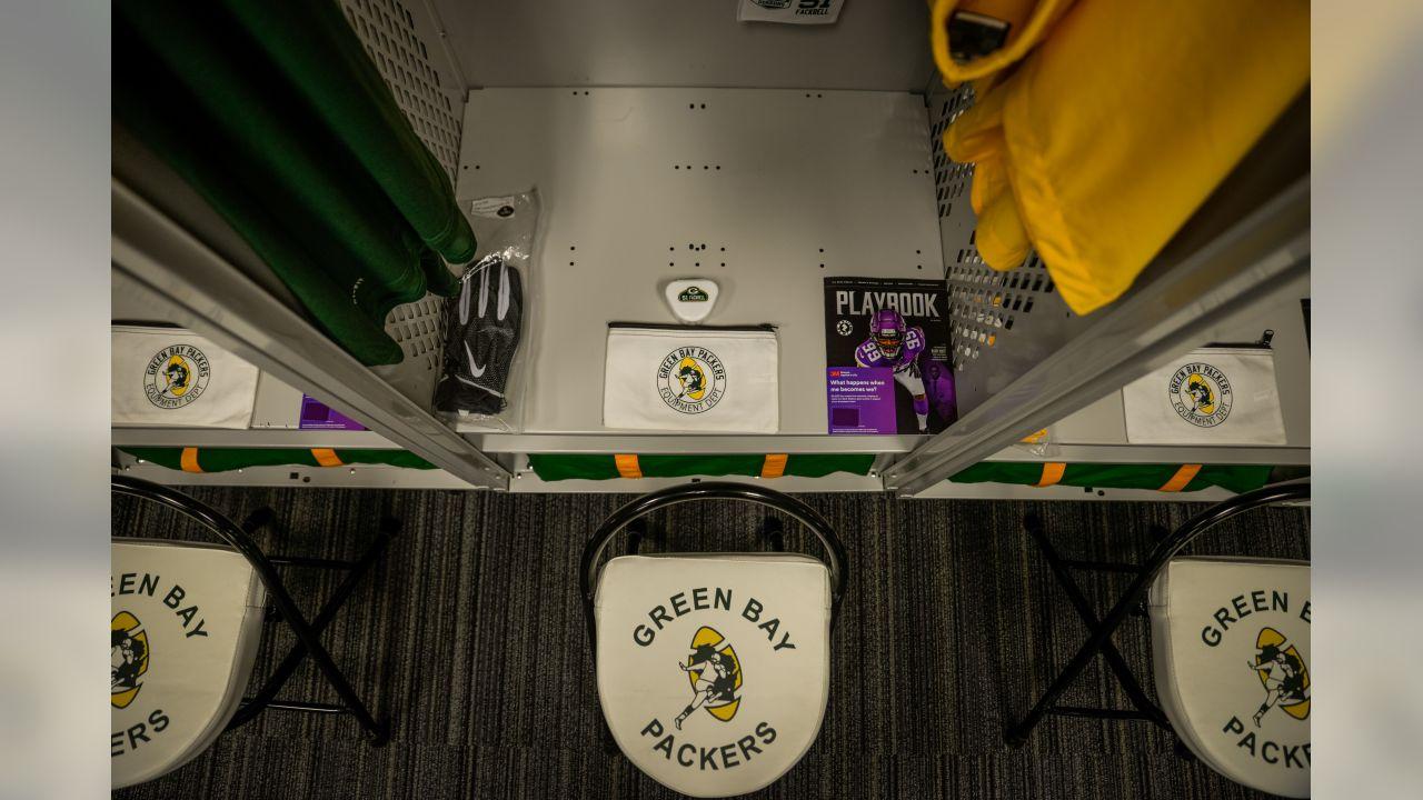 181125-packers-locker-room-bobber-5
