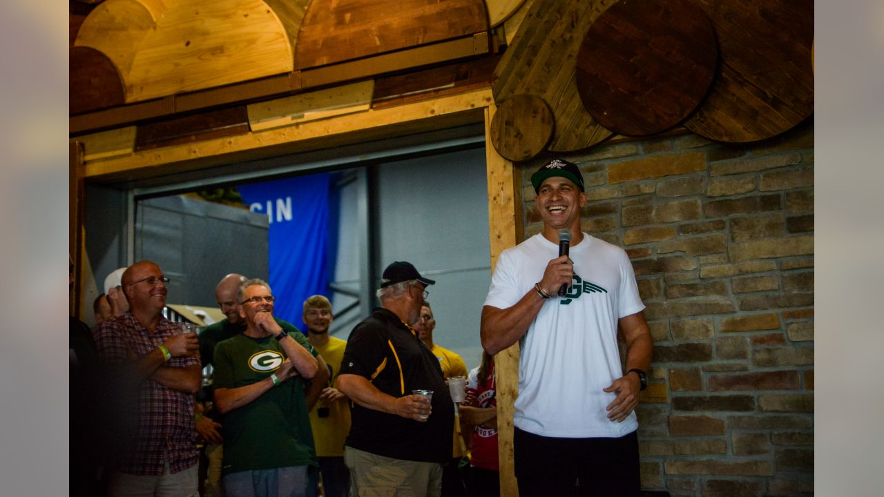 180722-jimmy-graham-cornhole-bobber-10