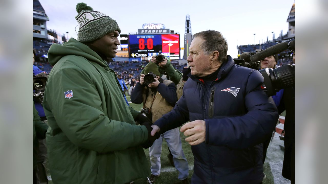 New York Jets head coach Todd Bowles, left, and New England Patriots head coach Bill Belichick shake hands at midfield after an NFL football game, Sunday, Dec. 30, 2018, in Foxborough, Mass. (AP Photo/Charles Krupa)