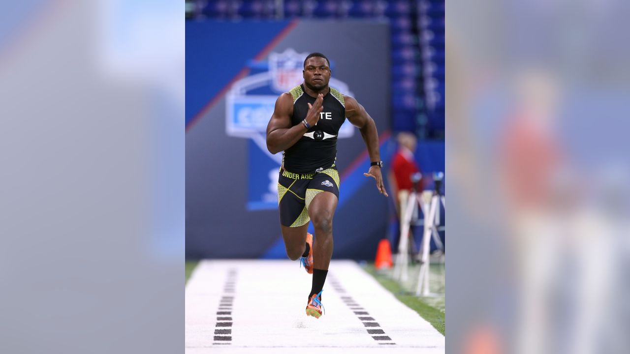 University of Clemson tight end Dwayne Allen runs the 40-yard dash during the NFL Scouting Combine on Saturday, Feb. 25, 2012, in Indianapolis.