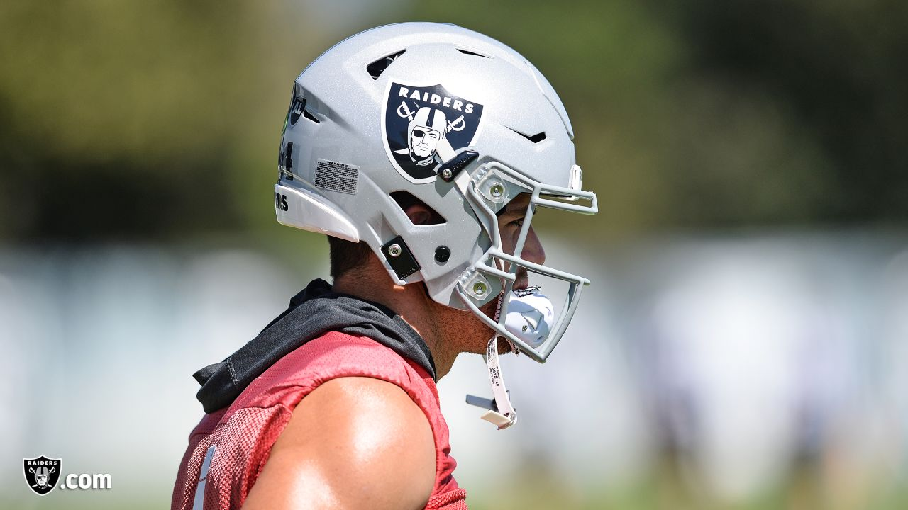 Oakland Raiders quarterback Derek Carr (4) on the field for practice at the Oakland Raiders Practice Facility, Thursday, September 13, 2018, in Alameda, California.