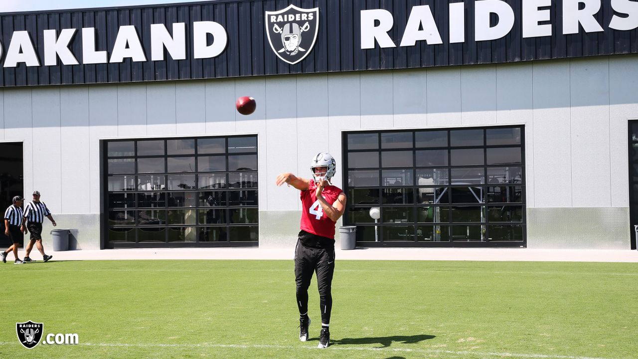 Oakland Raiders quarterback Derek Carr (4) on the field for practice at the Oakland Raiders Practice Facility, Thursday, September 6, 2018, in Alameda, California.