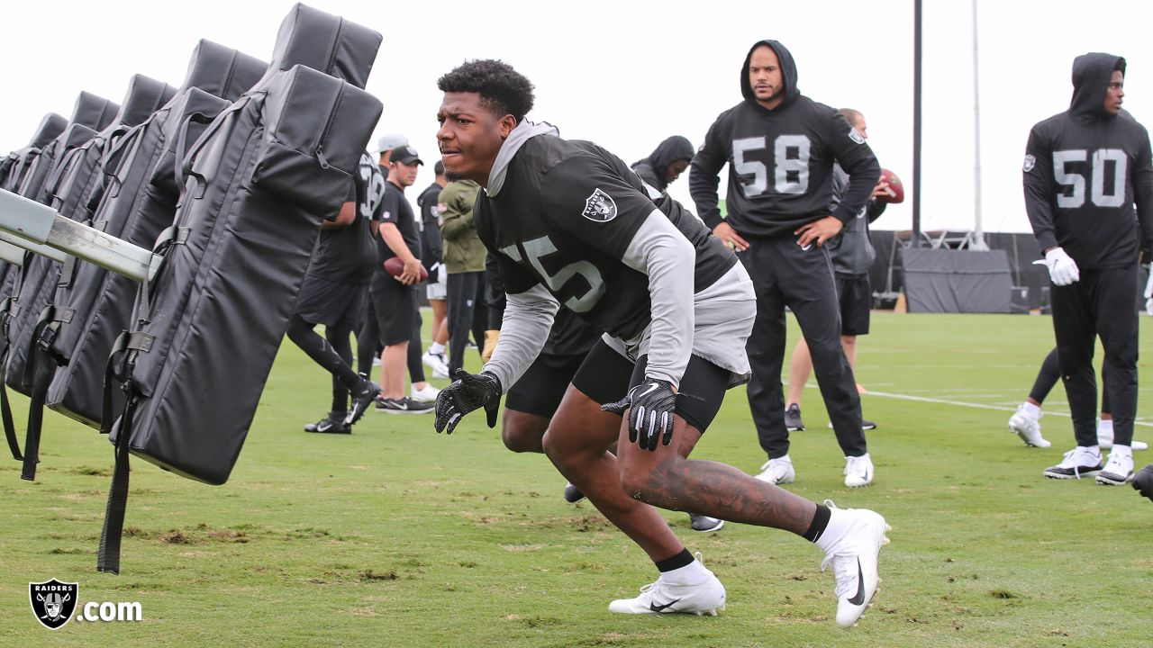 Raiders linebacker Marquel Lee (55) at a workout during phase two of the offseason program at the Raiders Practice Facility in Alameda, Calif.