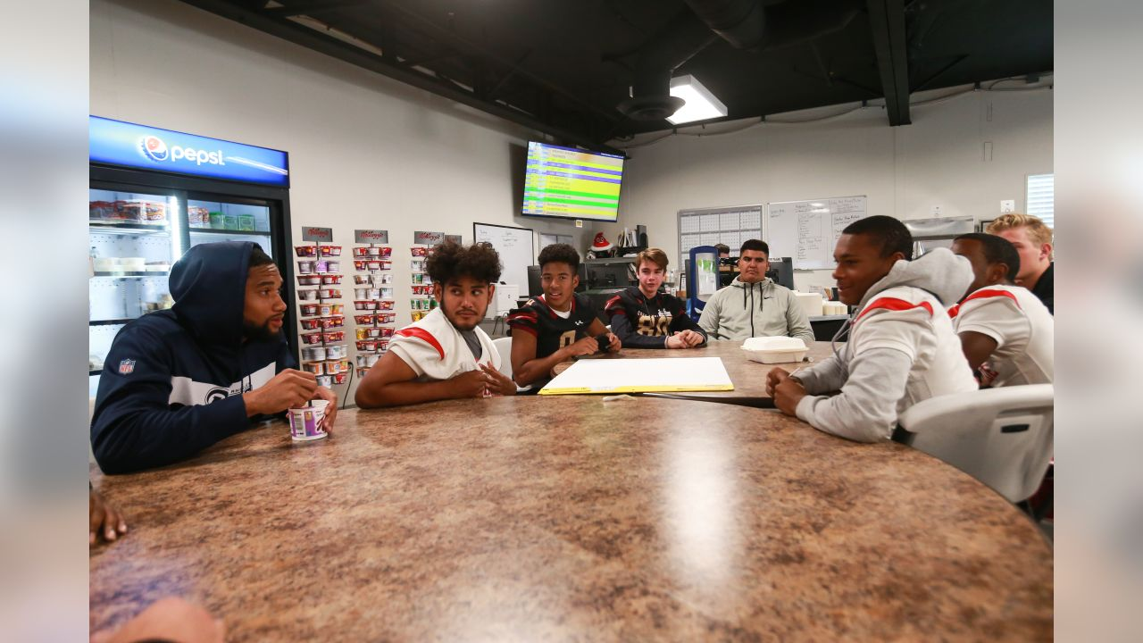 Los Angeles Rams rookies team up with the Los Angeles Police Department in part with Rise with the Rams to talk with local youth football players in bridging the gap between law enforcement and community youths.  Monday, October 29, 2018 in Agoura Hills, CA. (Will Navarro/Rams)