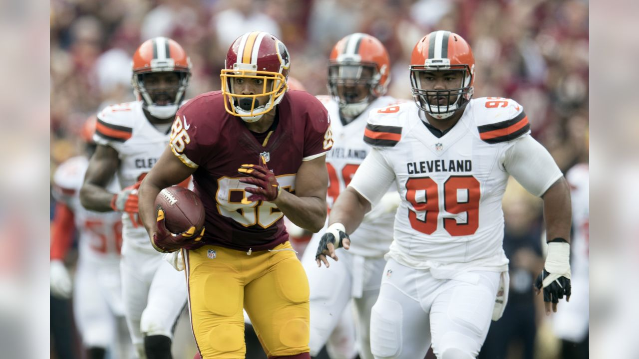 Preseason Week 1: At Cleveland Browns  Washington Redskins tight end Jordan Reed (86) runs for yardage after a catch in action against the Cleveland Browns on Sunday October 2, 2016 at FedExField in Landover, Md. (Damian Strohmeyer via AP Images)