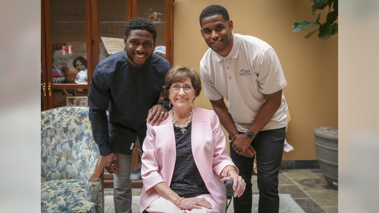 """The Saints Hall of Fame has selected RB/PR Reggie Bush and WR Marques Colston for induction in 2019, while former Louisiana Governor Kathleen Blanco has been chosen to receive the Joe Gemelli """"Fleur de Lis"""" award for her vast contributions to the New Orleans Saints organization, announced on June 5, 2019."""
