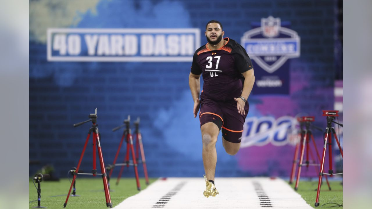 Texas A&M offensive lineman Erik McCoy runs the 40-yard dash during the 2019 Scouting Combine in Indianapolis on Friday, March. 1, 2019. (Perry Knotts via AP)
