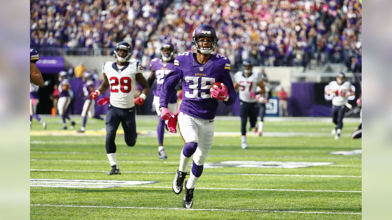 Minnesota Vikings defensive back Marcus Sherels (35) returns a punt for a touchdown during a Week 5 NFL football game against the Houston Texans on Sunday, Oct. 9, 2016 in Minneapolis, MN. The Vikings beat the Texans 31-13. (Matt Patterson via AP)