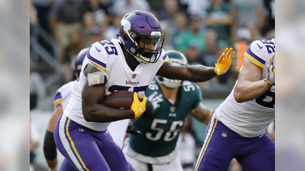 Minnesota Vikings' Latavius Murray runs against the Philadelphia Eagles during an NFL football game, Sunday, Oct. 7, 2018 in Philadelphia. (Winslow Townson/AP Images for Panini)
