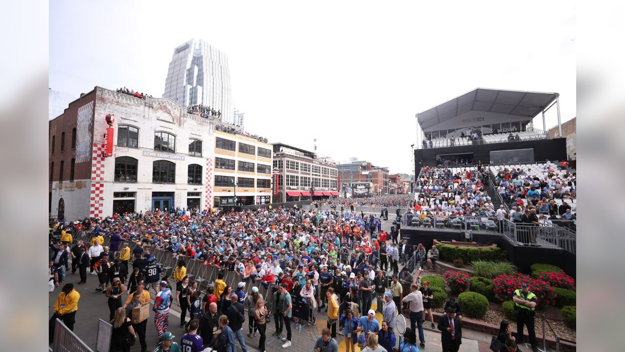 A general view of fans during the 2019 NFL Draft on Thursday, April 25, 2019 in Nashville, Tenn. (Logan Bowles/NFL)