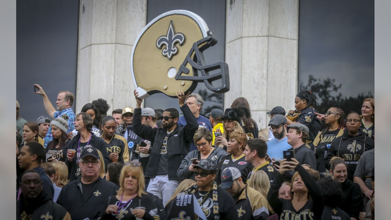 Gallery-pep-rally-saints-fever-2560-14400498
