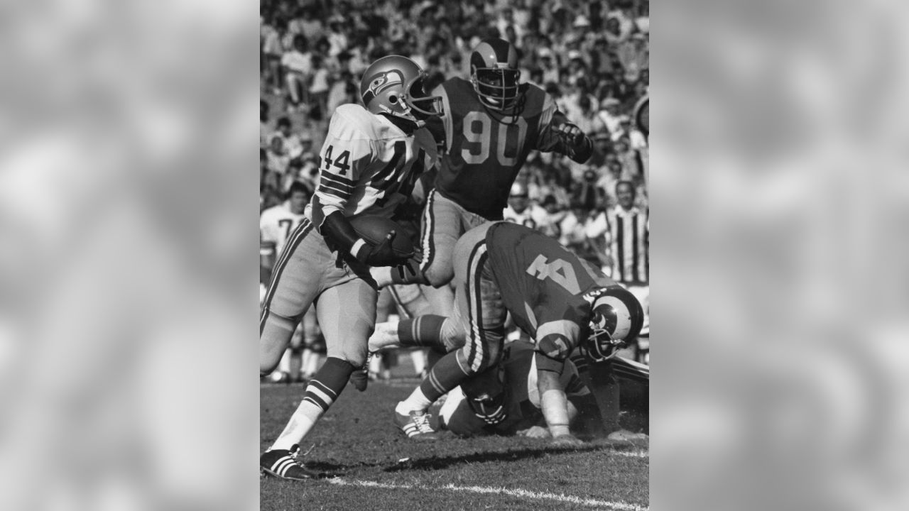 Seattle Seahawks running back Ralph Nelson (44) runs upfield during an NFL game against the Los Angeles Rams in Los Angeles, Oct. 31, 1976. The Rams defeated the Seahawks 45-6.  (AP Photo/NFL Photos)