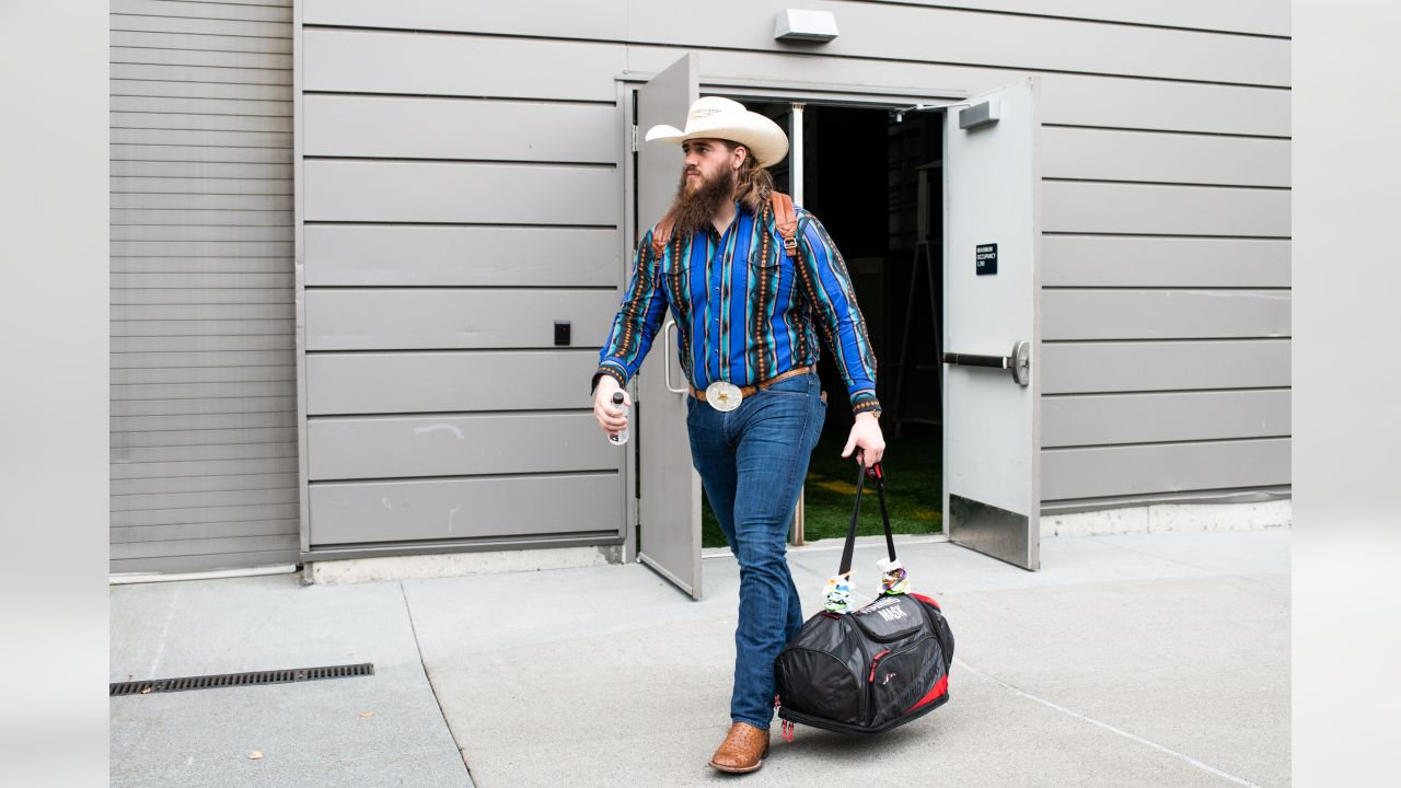 On Saturday afternoon, offensive lineman Jordan Roos headed to the buses to start the road trip to Denver for the regular season opener.