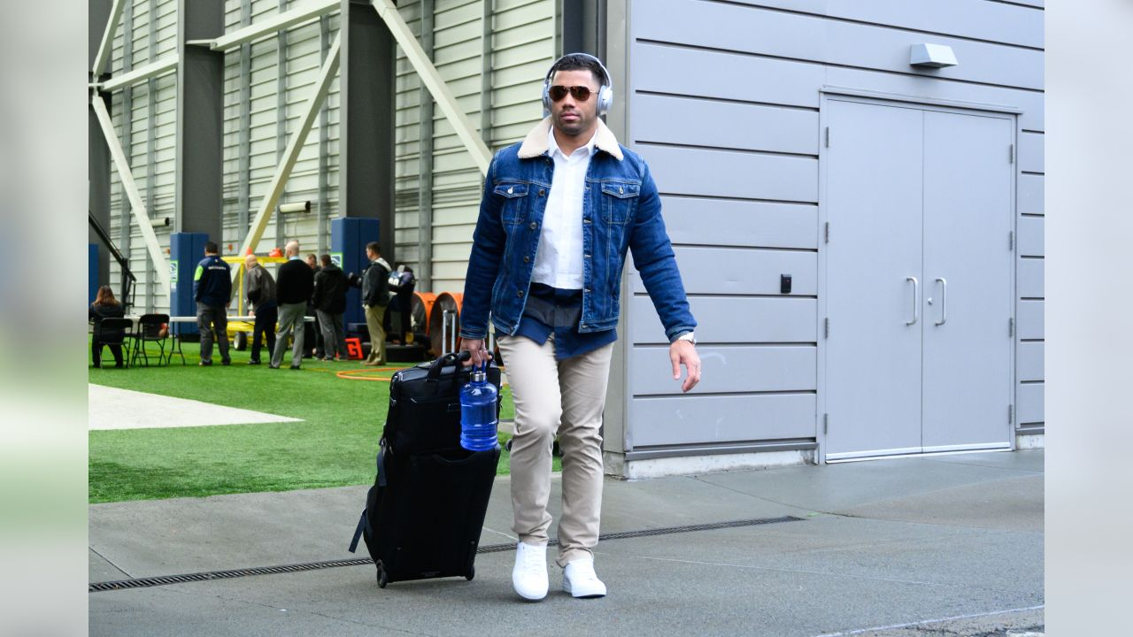 On Thursday afternoon, Russell Wilson and the rest of the Seahawks left the Virginia Mason Athletic Center for the trip to Dallas for the Wild Card playoff game.