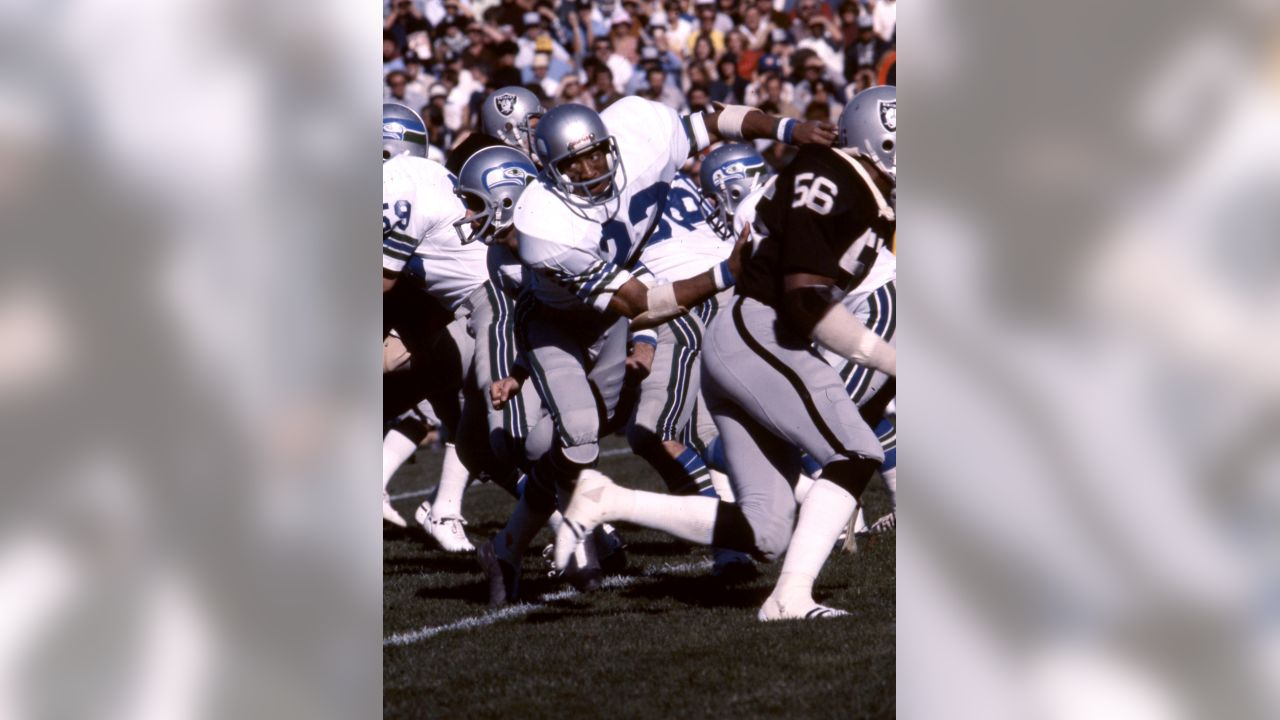 Seattle Seahawks cornerback Dave Brown (22) runs in pursuit during an NFL game against the Oakland Raiders in Oakland, on November 6, 1977. The Raiders defeated the Seattle 44-7. (AP Photo/NFL Photos)