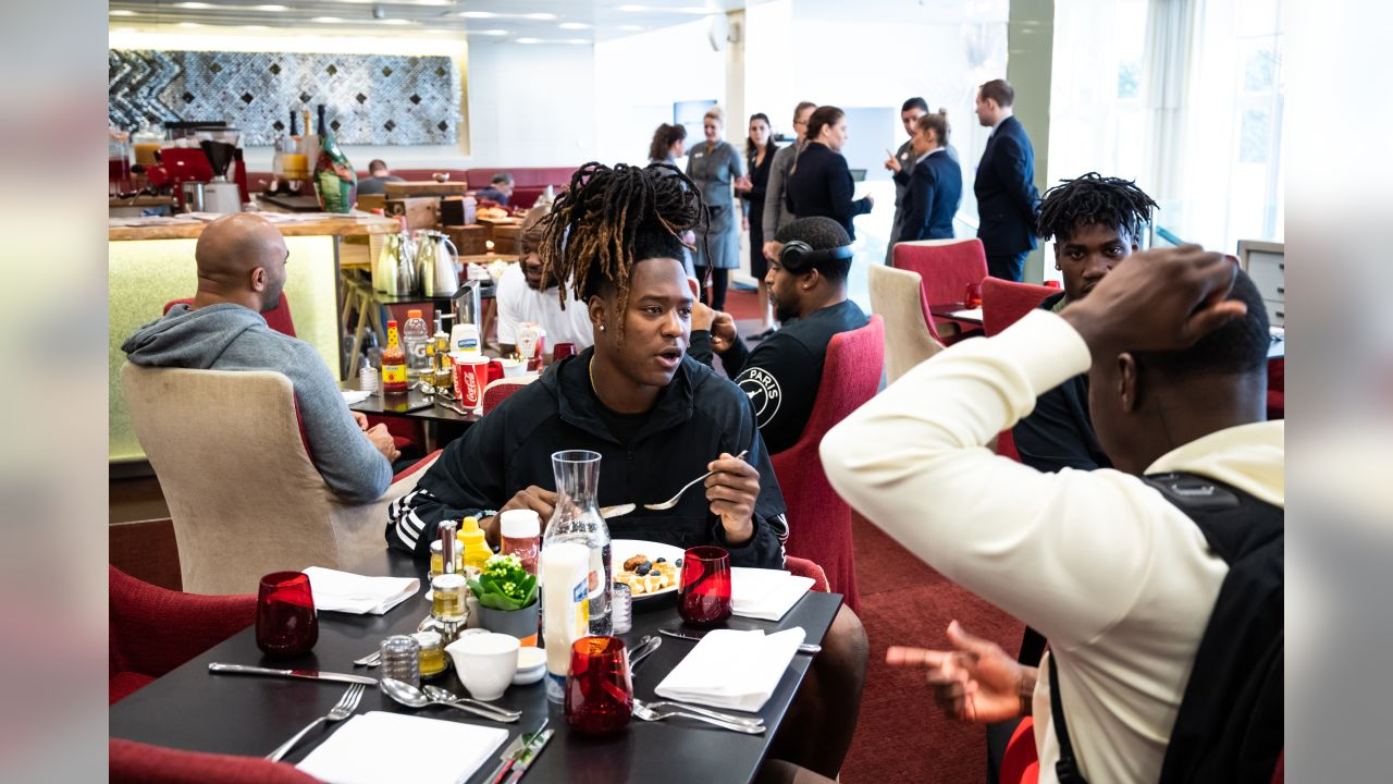 Shaquill Griffin eats breakfast with the team on Friday.