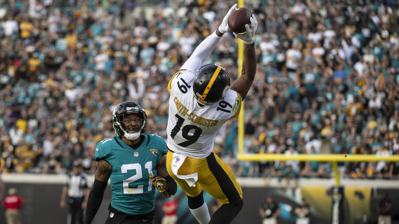 A 2018 Regular Season game between the Pittsburgh Steelers and the Jacksonville Jaguars on Sunday, November 18, 2018. The Steelers defeated the Jaguars 20-16.