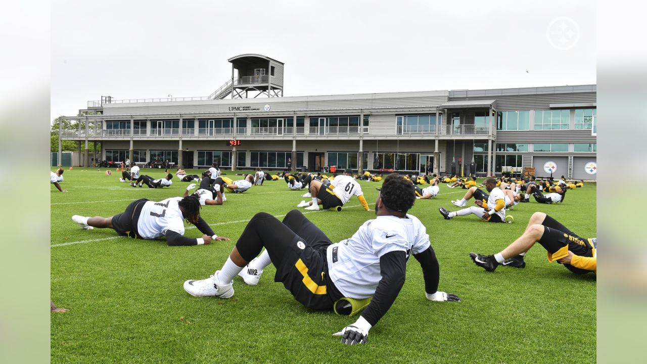 Steelers' rookies take the field for rookie minicamp.