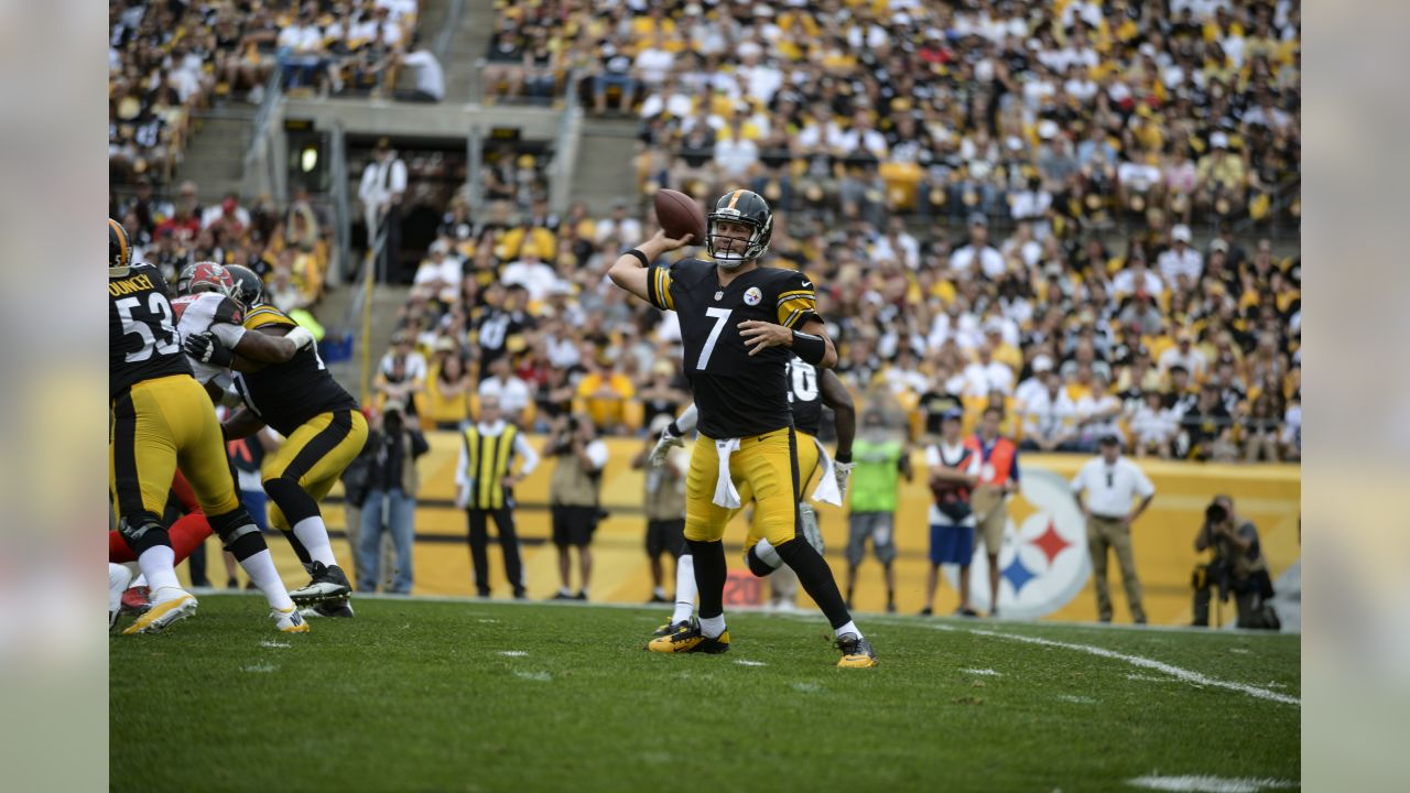 A Regular Season game between the Pittsburgh Steelers and the Tampa Bay Buccaneers on Sunday September 28th 2014. The Buccaneers defeated the Steelers 27-24.