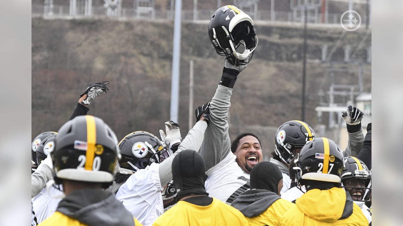 The Pittsburgh Steelers practice at the UPMC Rooney Sports Complex preparing for a Week 15 matchup against the Buffalo Bills.