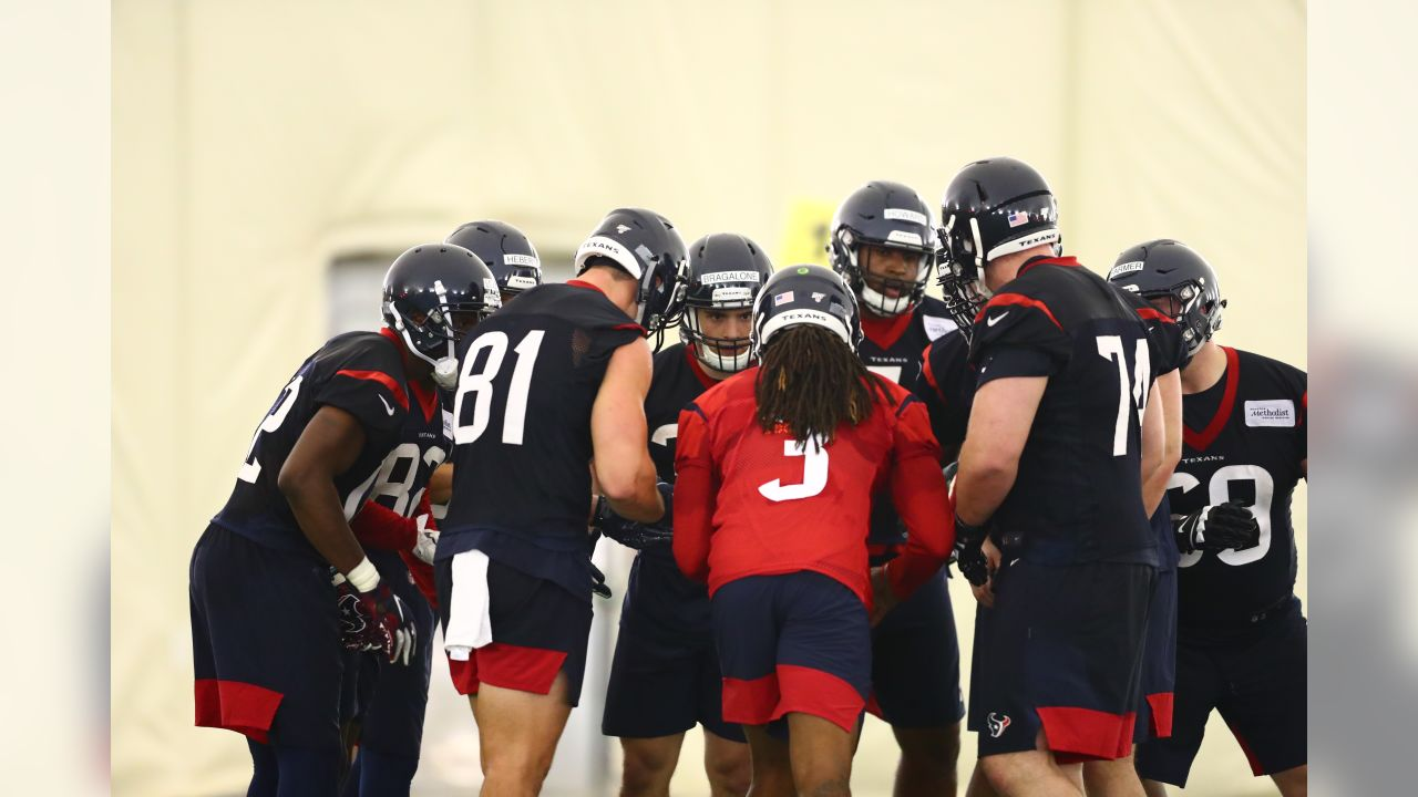 An image from the May 10, 2019 Rookie Mini Camp offseason practice.