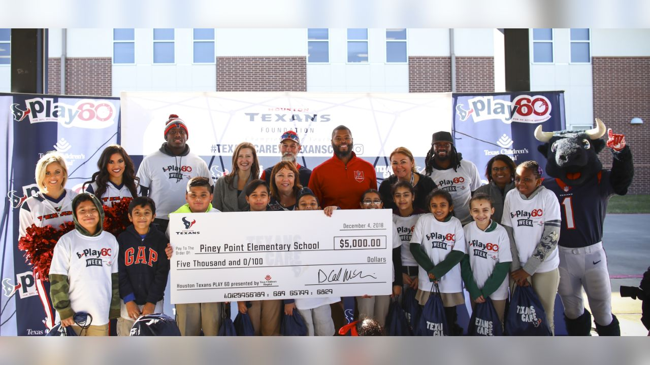 An image from the Dec. 4, 2018 Play 60 community development event at Piney Point elementary school in Houston, TX.An image from the Dec. 4, 2018 Play 60 event at Piney Point Elementary School.