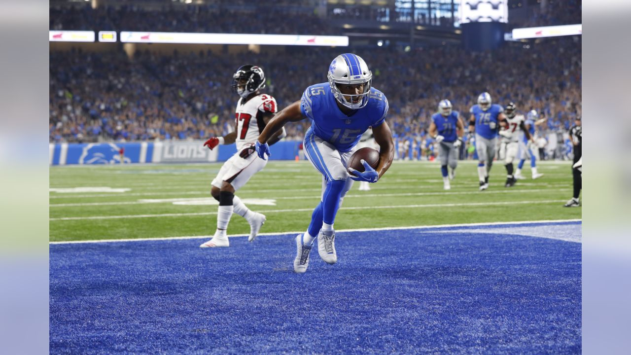 Detroit Lions wide receiver Golden Tate (15) scores on an 11-yard reception for a touchdown against the Atlanta Falcons during the second half during an NFL football game in Detroit, Sunday, Sept. 24, 2017. Atlanta won 30-26. (AP Photo/Paul Sancya)