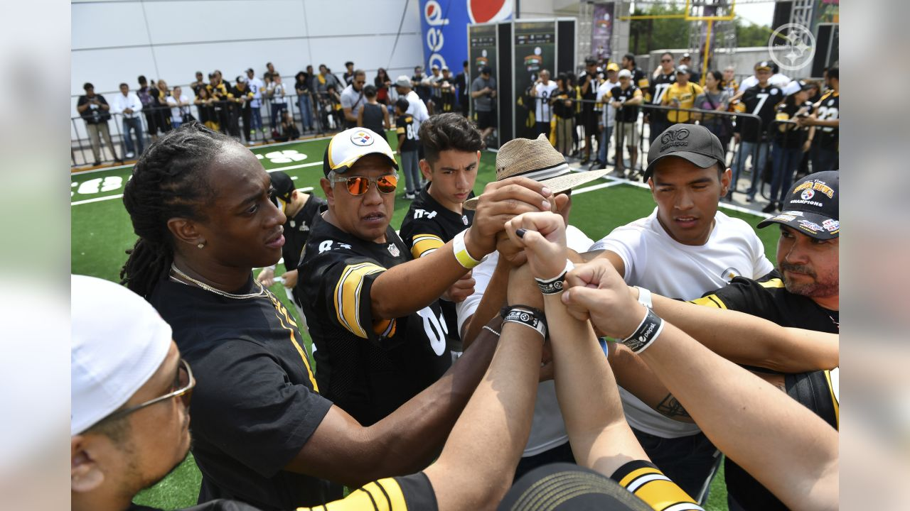 Steelers fans of all ages participated in the 8th annual Steelers football camp in Mexico City.