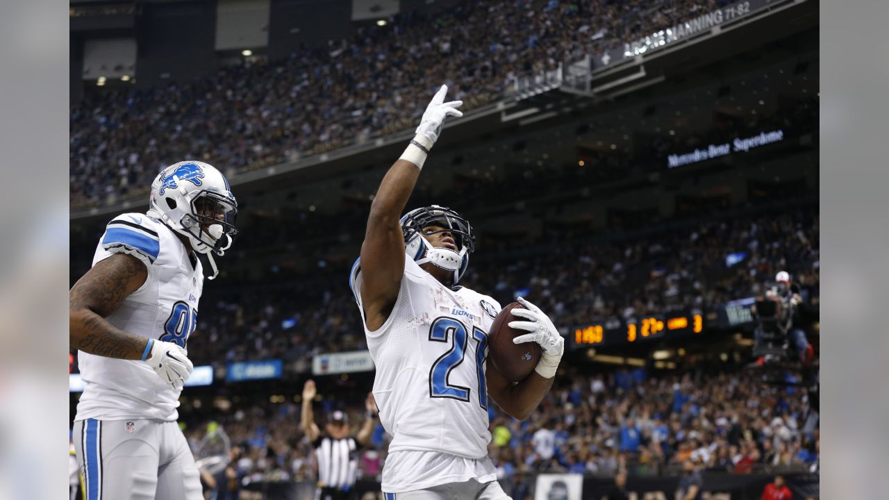 Detroit Lions running back Ameer Abdullah (21) celebrates his touchdown in the second half of an NFL football game against the New Orleans Saints in New Orleans, Monday, Dec. 21, 2015. (AP Photo/Brynn Anderson)