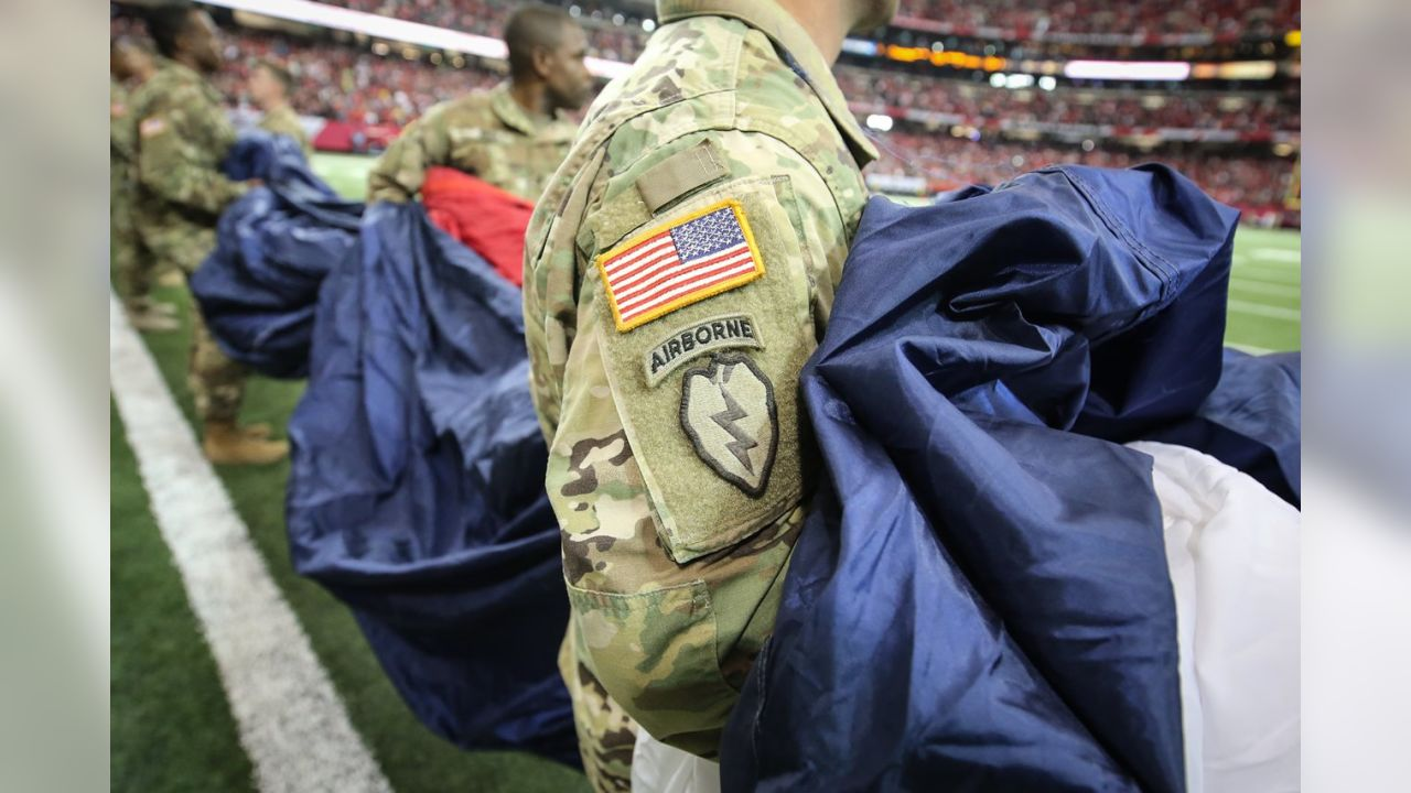 finest selection 6093d 701cb Falcons Honor Military in Salute to Service Game