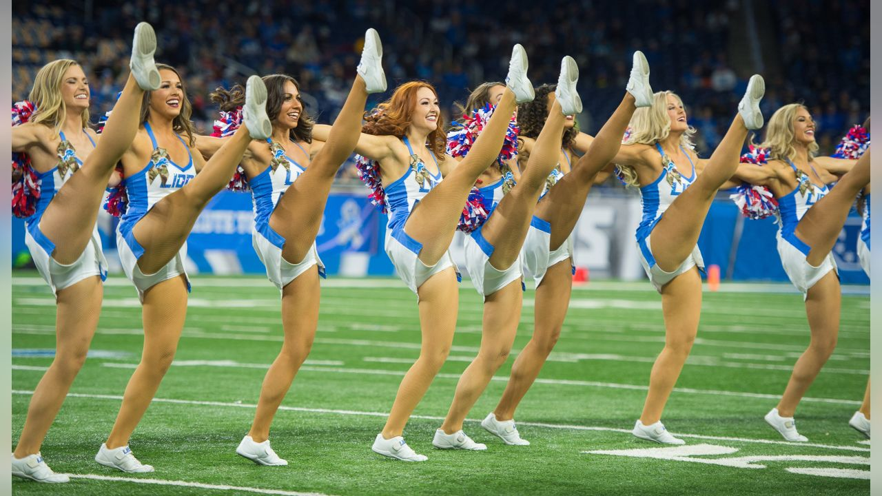 cheerleader cameltoe