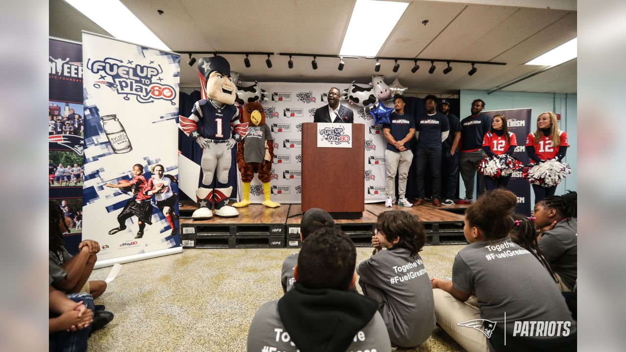 Patriots present Hometown Grant at Play 60 event