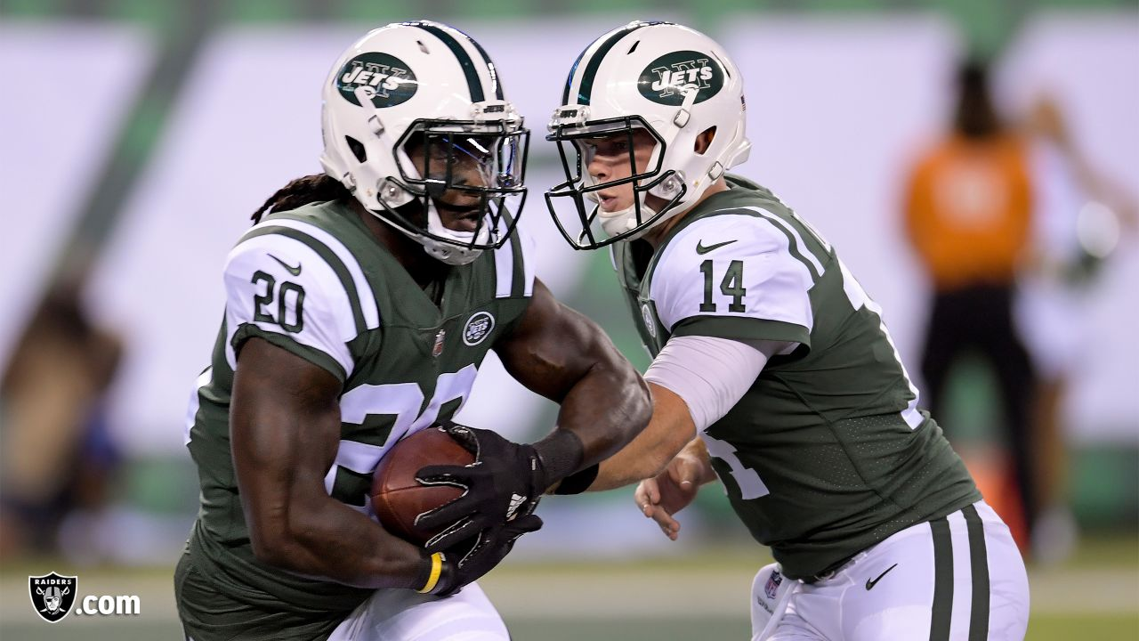 finest selection 302b7 f983a Raiders sign running back Isaiah Crowell