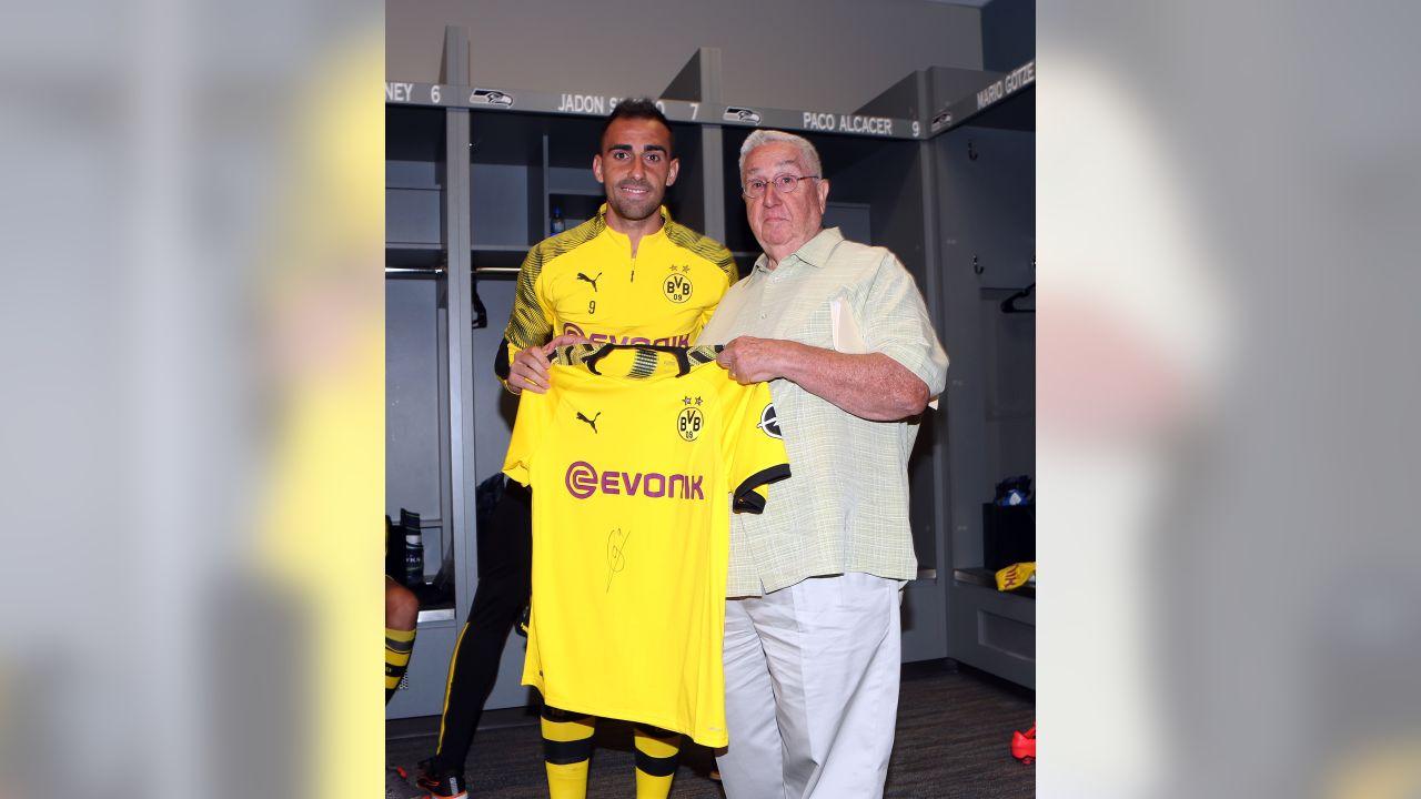 Wednesday Round-Up: Borussia Dortmund Train At Seahawks