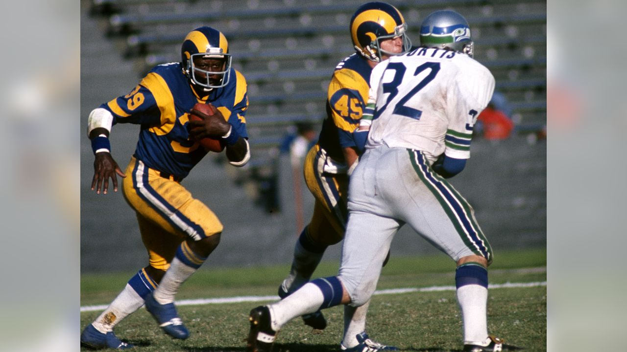 The Opposing View An Insider S Look At The Seahawks Week 16 Opponent The L A Rams