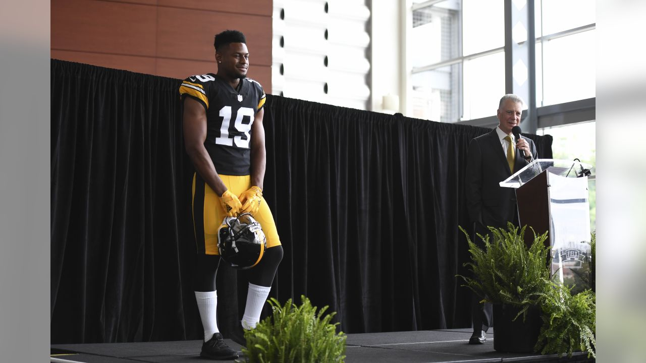 online store 2efb9 d1015 PHOTOS: Steelers reveal 2018 Throwback Jersey
