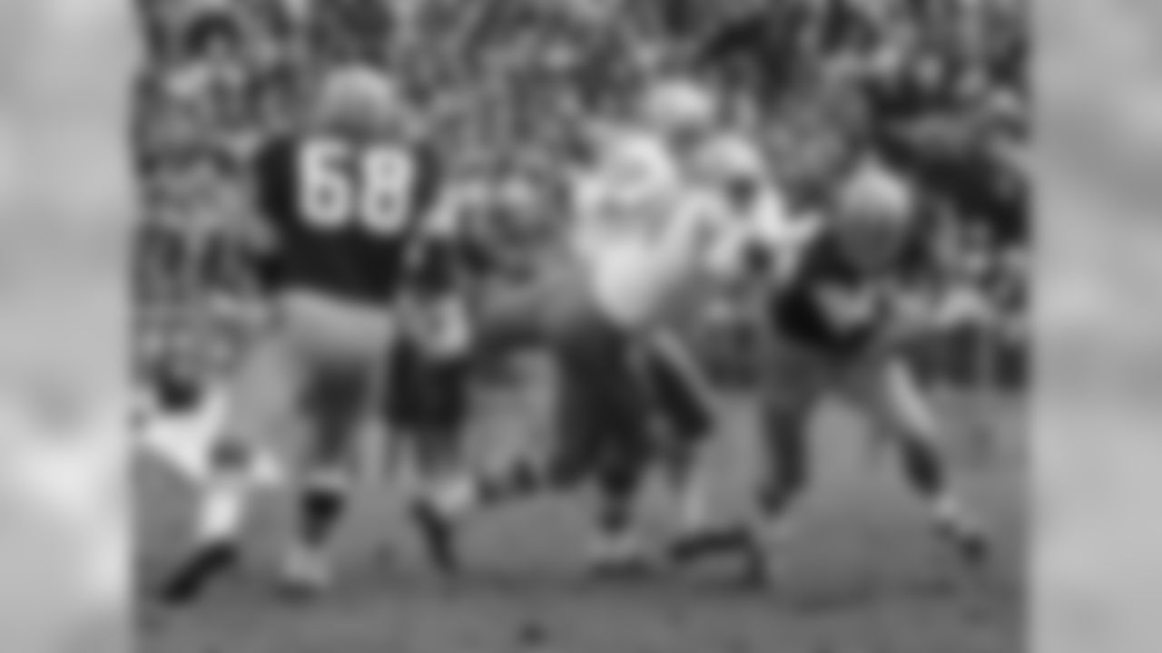 Roland Lakes sacks Bart Starr in the Packers 13-0 win in Nov. 1967.
